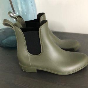 Capellini Womens Rain Boots. SZ 7